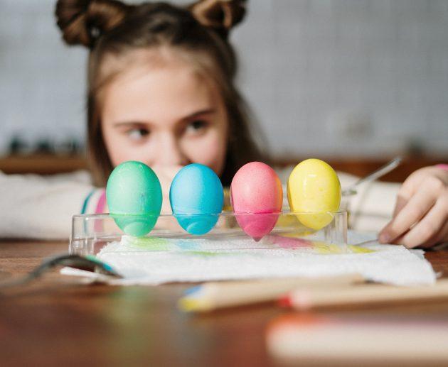 Coloriamo le uova di Pasqua