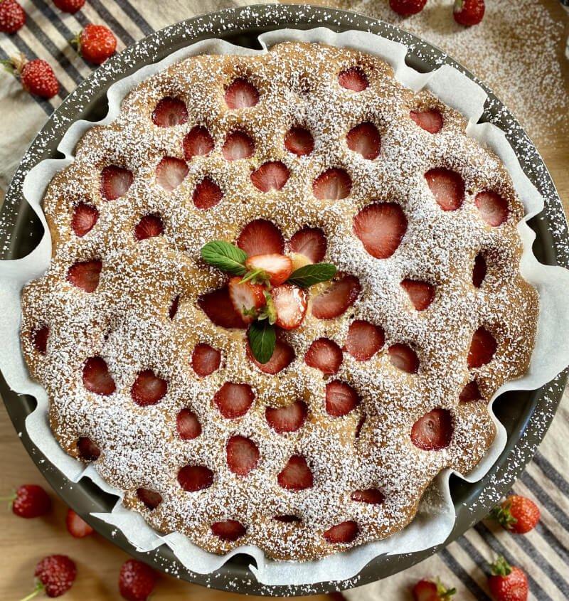 Torta-soffice-alle-fragole-ricetta