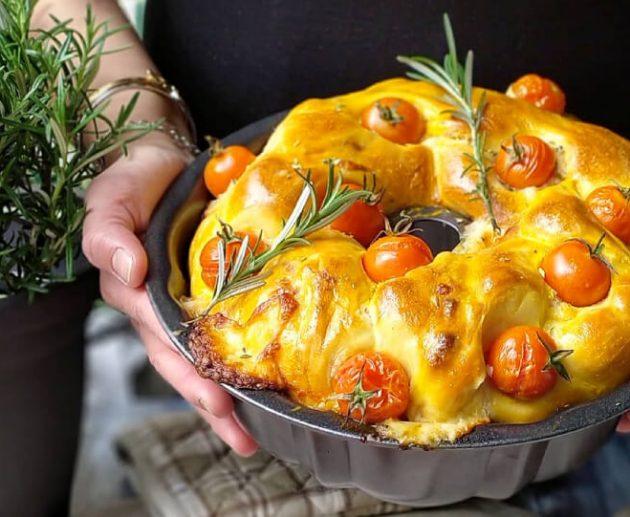Panbrioche-salato-con-pomodorini